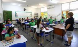 Governador tranquiliza pais e alunos e afirma que as escolas estão prontas para as aulas presenciais