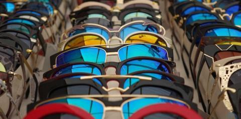 Mais da metade dos brasileiros não protege os olhos do sol