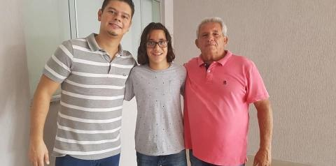 Câmara Municipal de Campo Grande realiza homenagem a karateca Enzo Bassi