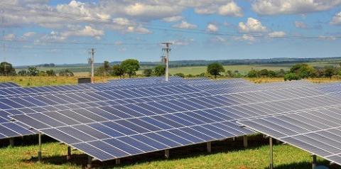 Taxação deve inviabilizar geração de energia solar Quem apostou na energia renovável, pode perder investimento