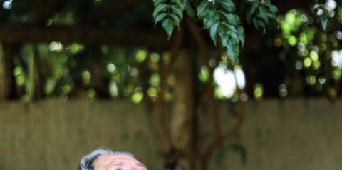 Fotógrafa realiza retratos femininos em lar de idosos em Costa Rica - MS