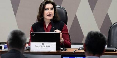 'Adianta comentar?', diz perplexa senadora Simone Tebet após discurso de Bolsonaro