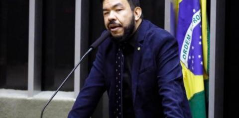 PF conclui que deputado Trutis simulou atentado