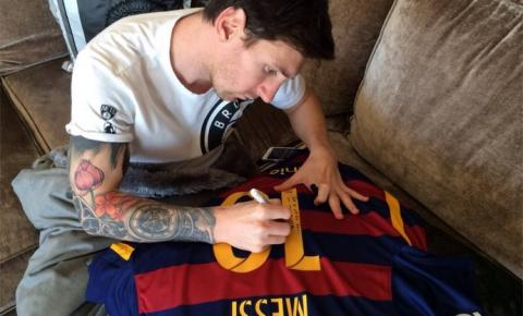 Ronaldinho ganha camisa 10 do Barça de Messi