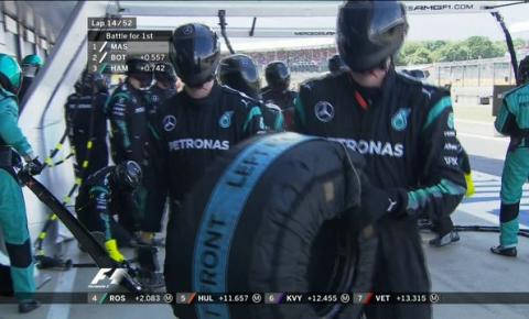Mercedes admite pit stop