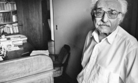 Poeta Manoel de Barros será destaque  da Escola Império Serrano no Rio