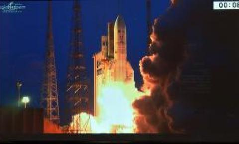 Primeiro satélite brasileiro inicia operações e fica sob responsabilidade da FAB