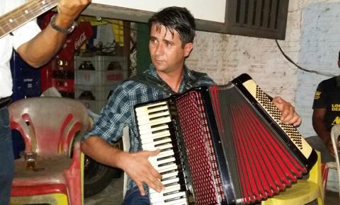 Filho da lenda Dino Rocha, Maninho Rocha se apresenta no Zé Tombado em Coxim