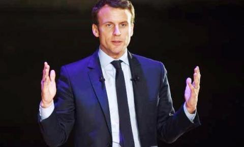 Macron pede