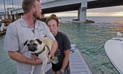 Casal vende tudo para viver navegando, mas barco afunda em dois dias