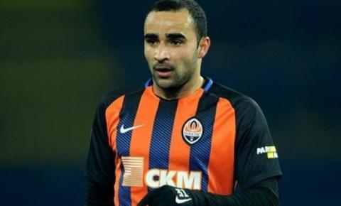 De MS, Ismaily vai substituir lateral-esquerdo em amistosos da Seleção