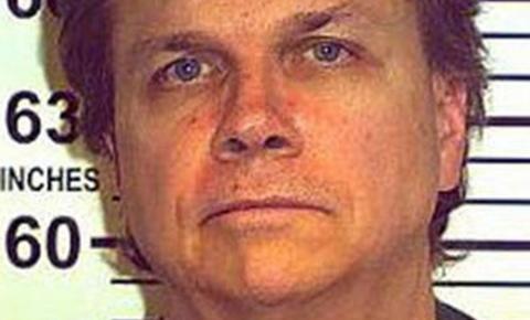 Mark Chapman, assassino de John Lennon, tem pedido de liberdade condicional negado pela 10ª vez