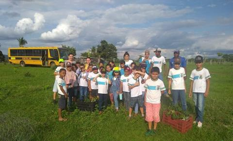 Alunos da Escola Municipal Alcino Carneiro desenvolvem projeto de Recuperação de Nascentes