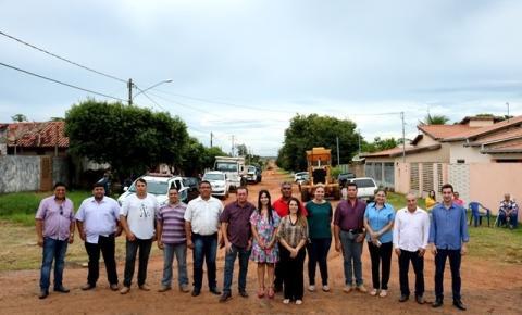 Prefeito de Alcinópolis assina ordem de serviço para execução de segundo pacote de obras para pavimentação asfáltica