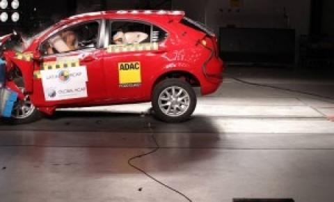 Projeto de Bolsonaro prevê eliminar multa para motorista que levar criança sem cadeirinha
