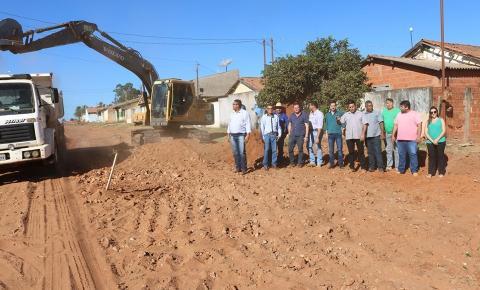 Atendendo às solicitações, Governo do Estado inicia obra de pavimentação asfáltica em Alcinópolis