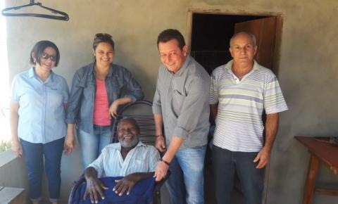 Prefeitura entrega cobertores às famílias da vila Novo Belo Horizonte