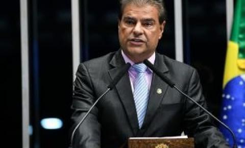 Nelson pede avaliação se indicação de filho de Bolsonaro é nepotismo Questionamentos Eduardo Bolsonaro foram protocolados hoje no Senado