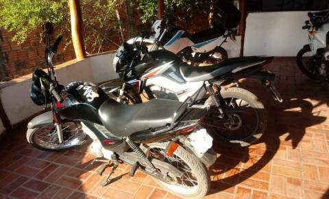 Polícia militar prende jovem por desobediência e apreende motocicletas irregulares em Alcinópolis