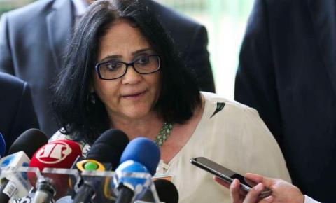 """Governo quer canal para denunciar professor que atente """"contra a moral"""""""