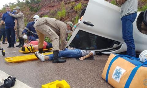 Servidores da Secretaria de Educação de Alcinópolis sofre acidente na BR-359