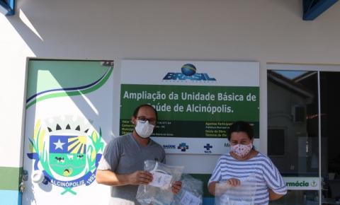 Secretaria Municipal de Saúde recebe protetores faciais (faces shields) do projeto Corona Vidas HUB DOURADOS/MS através da ASSOMASUL