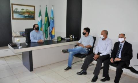 Para formar parcerias, delegado Cleverson visita prefeito de Paraíso das Águas