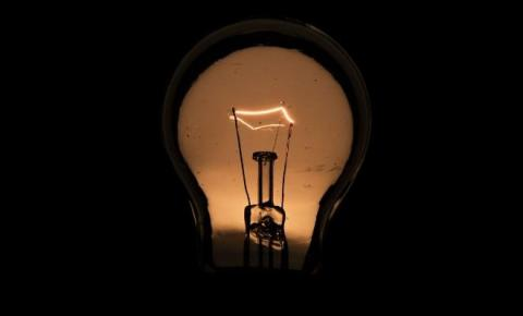 Com cobrança extra, conta de luz ficará mais cara a partir de terça