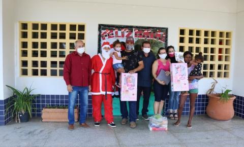 Prefeitura Municipal de Alcinópolis entrega brinquedos para os alunos da rede municipal e estadual de ensino