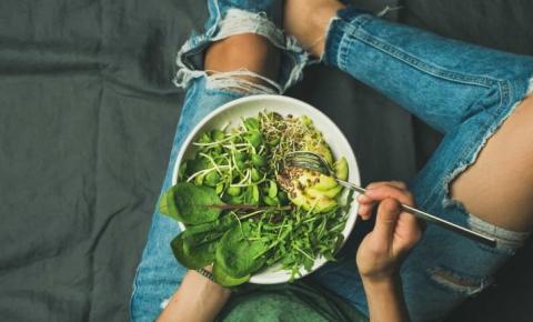 Ordem das garfadas. Por que deve ingerir as verduras primeiro