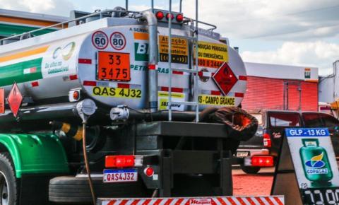 Postos aguardam estoque de combustíveis zerar e avaliam reajuste de até R$ 0,16 na gasolina