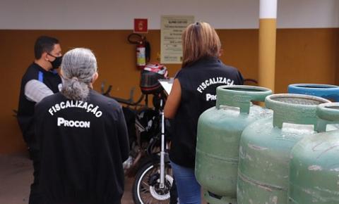 Procon de Coxim fiscaliza preço do gás de cozinha