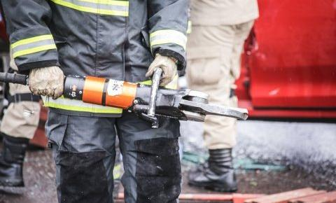 Motorista deixa palito de fósforo em cima do banco e caminhão pega fogo em Campo Grande