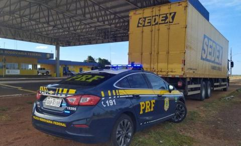 Caminhão 'dos Correios' é interceptado com R$ 4 milhões em mercadoria sem origem comprovada