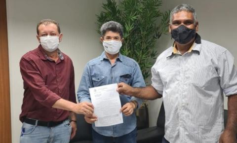 Prefeito e Vice de Alcinópolis consegue mais de R$ 50 mil para aquisição de Van e Sedan para Saúde do município