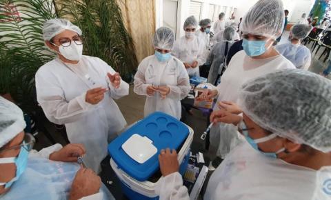 Coxim e mais 9 cidades da região norte estão entre as que atingiram 100% da meta de vacinação
