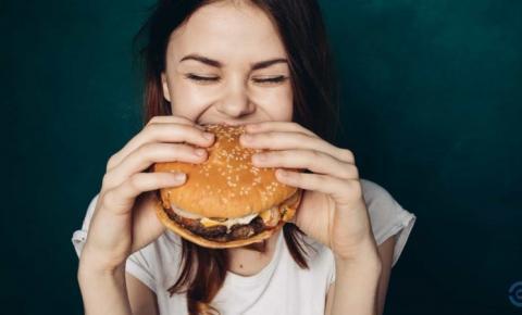 Não consegue parar de comer 'junk food'?