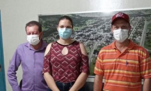 Prefeito Dalmy e secretários participam de reunião para buscar parceria de abatedouro no município
