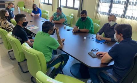 Executivo de Costa Rica se reúne com consultor do Sebrae e discute compras públicas da agricultura familiar