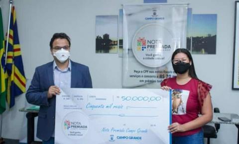 Sorteados recebem prêmios da Nota Premiada em Campo Grande
