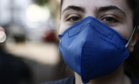 Apesar de avanço da vacinação, MS ainda não prevê liberar uso de máscaras