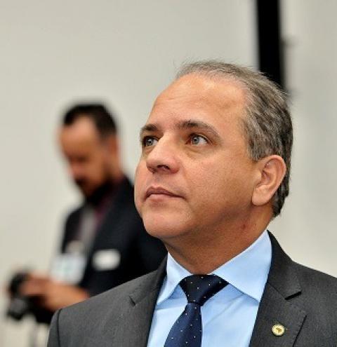 Perseguição do PSL pode custar expulsão de deputado